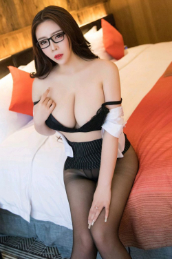 Escort  Maureen from Goodge Street